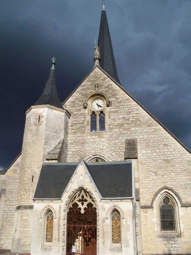 Un jour, une église - Saint-Julien Les Villas