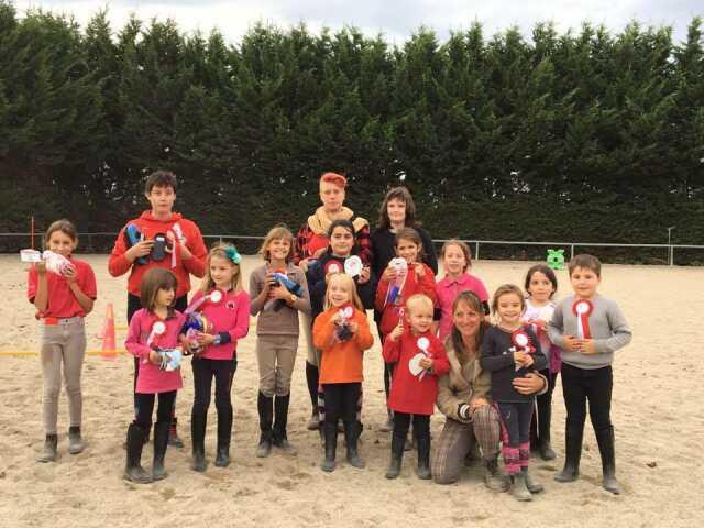 Camp d'été : stages d'initiation et de perfectionnement à l'équitation