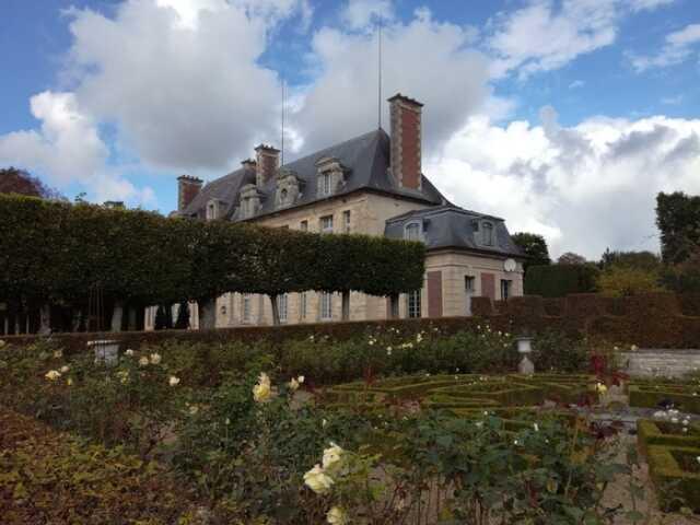 Visite du Parc du Château de Corbeil-Cerf